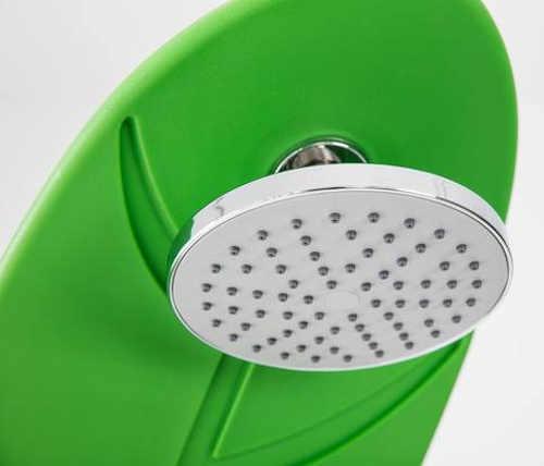 S velkou sprchovou hlavicí se sprchování stává opravdovým potěšením
