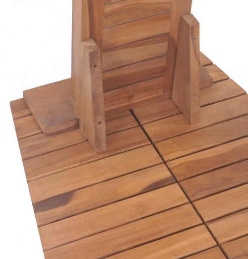 Dřevěná zahradní sprcha včetně prostorné základny pro stání