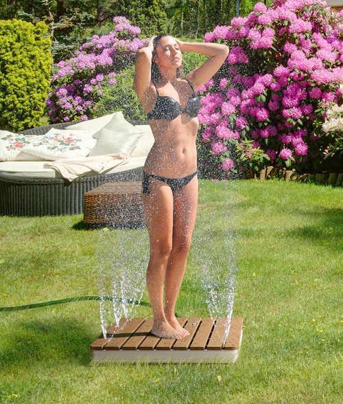 Fontánová zahradní sprcha