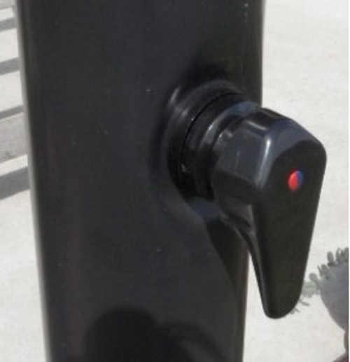 Otočný ventil pro nastavení teploty solární sprchy